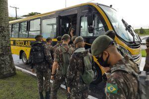 Após treinamento, os 30 soldados do 2º Batalhão de Infantaria Leve (2º BIL) já estão nas ruas para auxiliar São Vicente no combate ao Aedes aegypti