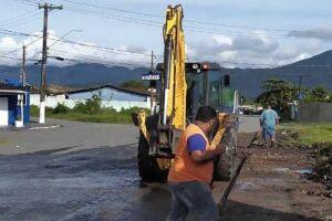Obras de zeladoria e manutenção em bairros.