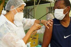 Vacinação contra a Covid-19 em São Vicente segue sendo realizada durante toda a semana
