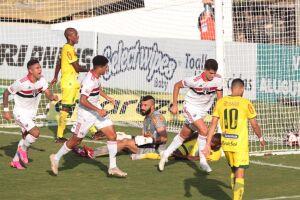 Vítor Bueno empata para o São Paulo contra o Mirassol