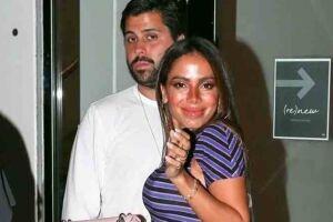 Anitta, 28, está namorando o empresário americano Michael Chetrit.