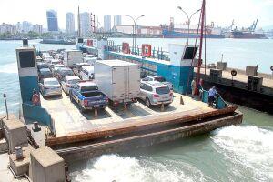 O serviço de travessias transporta 28 mil automóveis por dia e 22 mil pedestres e ciclistas