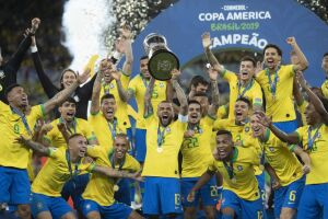 Até o início da reunião, a possibilidade de o Brasil organizar o torneio era descartada tanto pela CBF quanto pela Conmebol