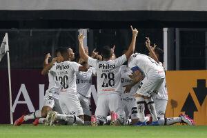 A equipe brasileira o goleou por 5 a 0 nesta terça (4), na Vila Belmiro