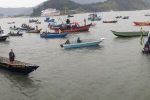 Pescadores se uniram em protesto pacífico ao longo de todo o litoral paulista