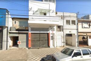 Consultório invadido por dupla fica na Rua Almeida de Moraes