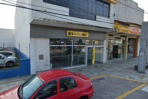 A agência alvo do crime fica na Avenida Presidente Costa e Silva, 963