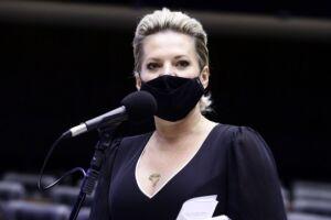 De acordo com a deputada federal, ela rompeu com a família Bolsonaro em 2019