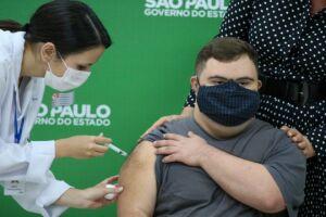 São Paulo vai antecipar a vacinação contra Covid-19 do público geral