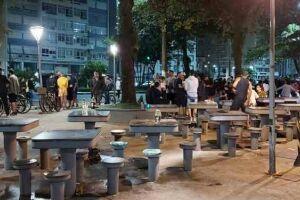 A GCM também foi acionada na Praça do Embaré, onde um grupo foi orientado a deixar o local.