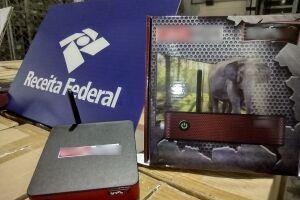 Os aparelhos são conhecidos no mercado ilegal como receptores FTA