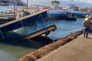 Navio fez estragos na travessia entre Guarujá x Santos.