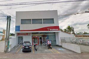 A agência bancária é situada na Avenida Presidente Kennedy, 2478, na Vila Caiçara