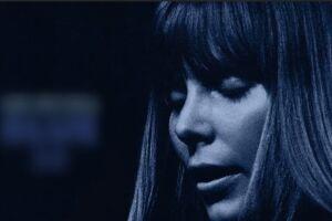Para celebrar o disco, que completa 50 anos nesta terça-feira, Joni Mitchell lançou um EP com cinco faixas