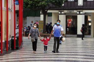 Especialistas afirmam que contaminação por vírus é rara e não deve gerar preocupações