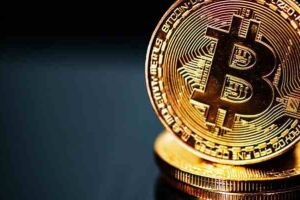O homem aplicou um golpe de criptomoedas de cerca de R$ 2 milhões para cima de dois empresários da região.