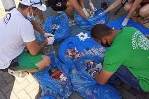 A ação de limpeza coletou 132,5 kg de lixo plástico, resíduos de origem doméstica e alimentar, em grande parteembalagens de garrafa PET