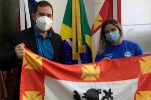 O prefeito Kayo Amado recebeu, neste domingo (20), a judoca vicentina Larissa Pimenta.