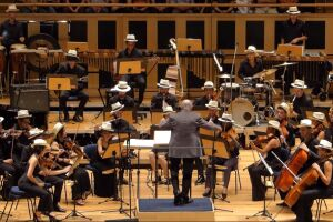 A Orquestra Jovem Tom Jobim abre a temporada 2021 com um programa eclético que traz clássicos da música popular brasileira