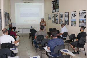 O programa conta com sete aulas, uma para cada tema abordado