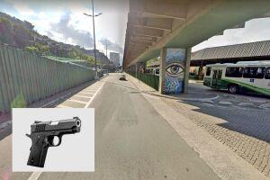 O flagrante ocorreu em um bloqueio na Avenida Presidente Getúlio Vargas, próximo à Rodoviária; foto meramente ilustrativa de pistola Taurus calibre .45