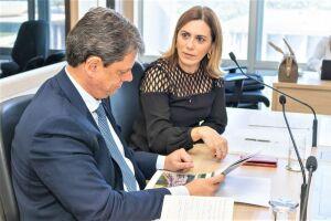 A deputada federal Rosana Valle e o ministro Tarcísio Gomes de Freitas