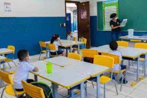 Os Neims (Núcleo de Educação Infantil Municipal) devem retornar em agosto com 50% dos alunos em cada período.