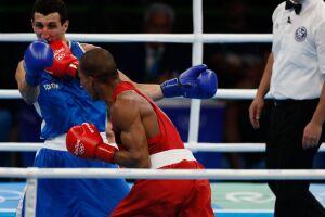 As aulas de Boxe acontecem na 'Pracinha da Cultura', antigo Centro de Artes e Esportes Unificados Mosca Diz (CEU)