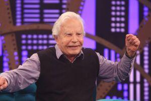 Filhos do apresentador de 93 anos alegam que o pai enfrenta sintomas de demência e que tem a liberdade limitada por atitudes de Fátima
