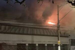 Um incêndio atingiu uma unidade da Cinemateca Brasileira, na Vila Leopoldina, Zona Oeste de São Paulo.