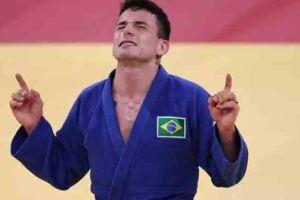 O judoca Daniel Cargnin venceu o israelense Baruch Shmailov, com wazari, no Budokan, na manhã deste domingo (25), nas Olimpíadas de Tóquio.