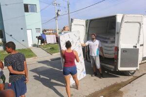 A Prefeitura priorizou algumas famílias seguindo critérios para a doação dos materiais
