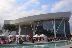 Evento acontece na Praça Gago Coutinho, em frente ao Santos Convention Center