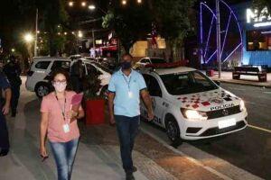 Um estabelecimento foi lacrado e outros dois intimados após ação da Força-Tarefa da Prefeitura de Santos.