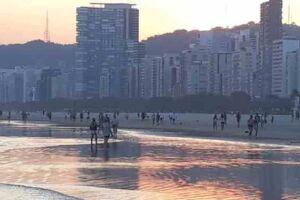 Praia do Gonzaga, em Santos.