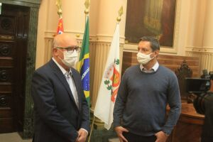 Ribeiro agradeceu a recepção no Paço Municipal e destacou a importância do retorno das aulas presenciais