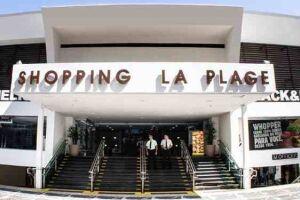 Terreno hoje hospeda o maior centro de compras de Guarujá.