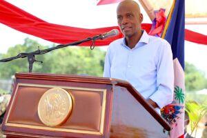 O presidente do Haiti, Jovenal Moise, foi assassinado a tiros por agressores não identificados em sua residência durante a noite