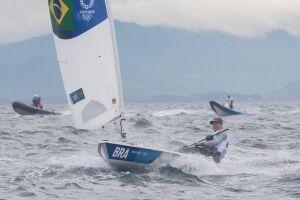 O velejador Robert Scheidt segue firme na briga para se tornar o recordista isolado de medalhas do Brasil em Jogos Olímpicos