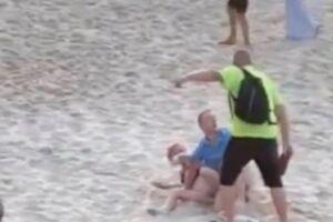 Homem expulsou o casal da praia a chineladas