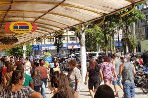 Comércio em São Vicente.