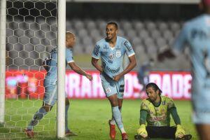 Lucas Braga marcou o segundo gol do Santos
