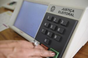 TSE abre inquérito para apurar ataques à legitimidade das eleições