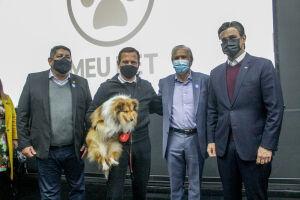 O Governador João Doria anunciou nesta segunda-feira (2) a construção de mais oito clínicas veterinárias