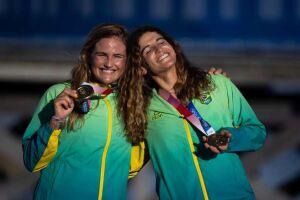 Martine Grael e Kahena Kunze se sagraram bicampeãs olímpicas