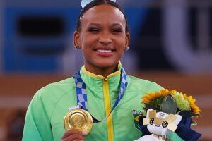 Rebeca é a primeira brasileira a ganhar duas medalhas na mesma edição olímpica.