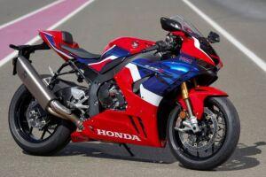 A Honda CBR 1000RR-R Fireblade SP 2022 vem em duas opções de cores: vermelho e preto perolizado