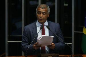 Ex-jogador e senador Romário passa bem e receberá alta nos próximos dias