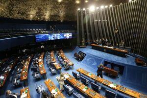 A PEC aprovada no Senado também abre uma possibilidade para deputados e vereadores não perderem o mandato se deixarem os partidos
