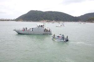 Para que as lanchas não chegassem ao mar, a Ditranfechou as rampas que dão acesso a faixa arenosa do Canto do Tortuga